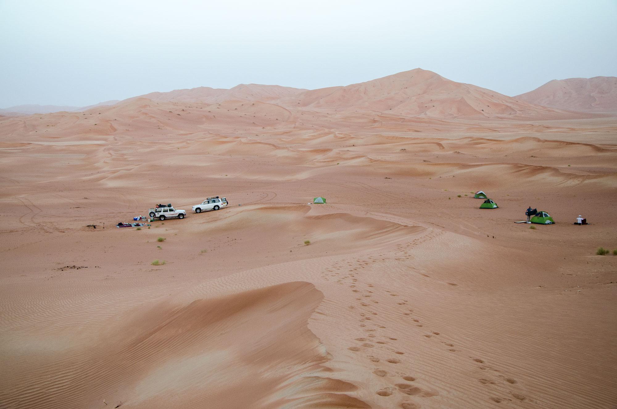 Unser Camp in den Dünen – Kilometer von der nächsten Siedlung entfernt. Foto: Lothar Ruttner